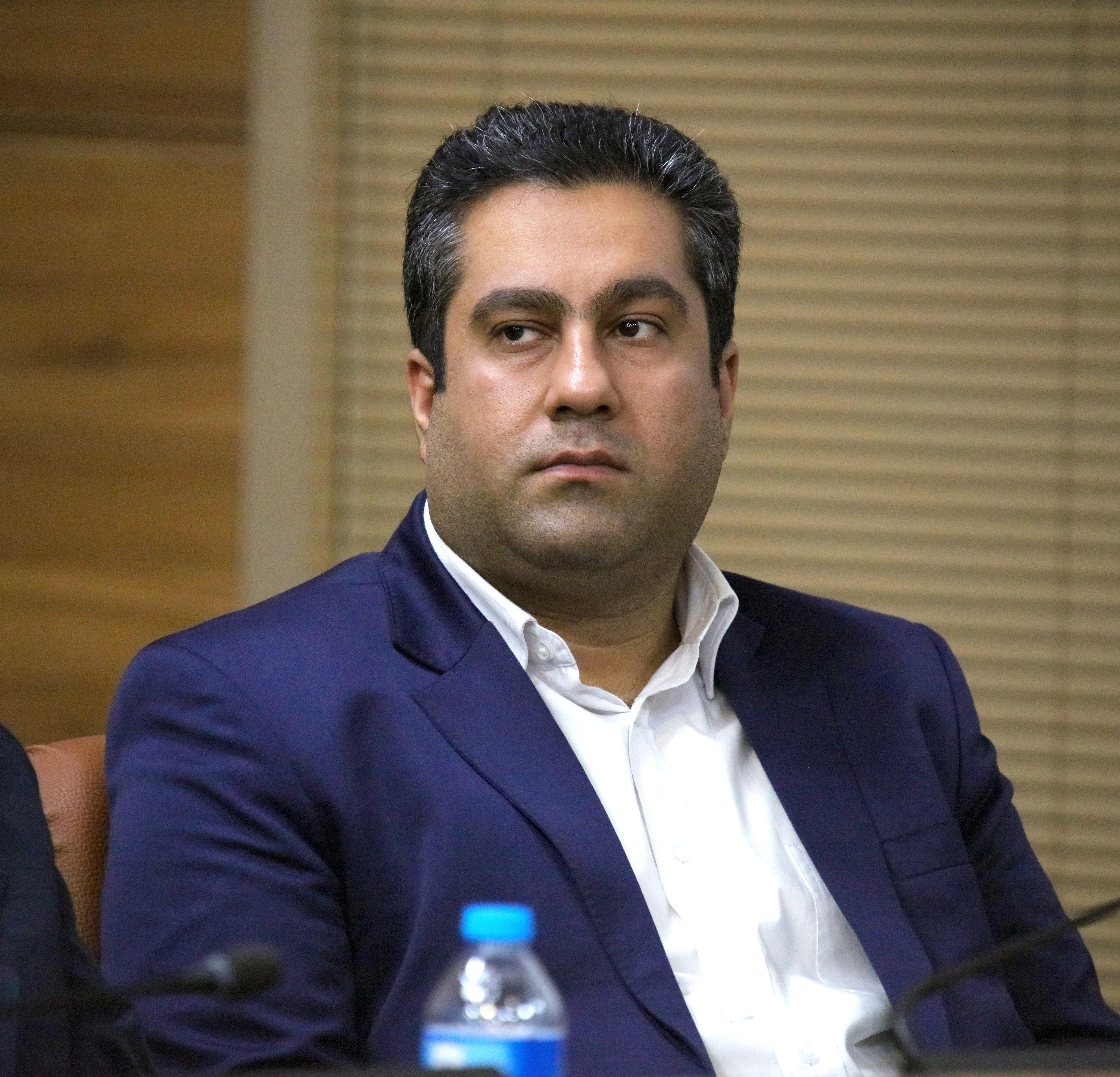 شاهین منصوری، مهندس شاهین منصوری، کارشناس ارشد مدیریت بازرگانی،بازاریابی، اخلاق مصرف در اسلام و غرب،اخلاق مصرفا